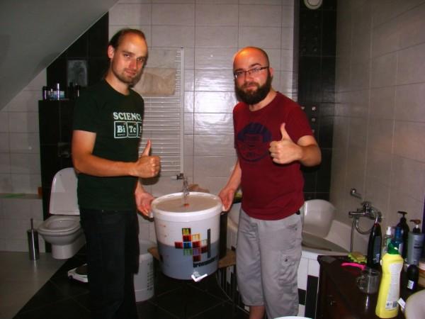Dumni piwowarzy - zmęczeni, alezadowoleni :)
